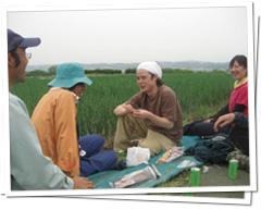 地元農家の方々と行う農業実習